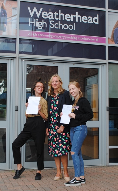 A Level Results Day 2019 (7b)