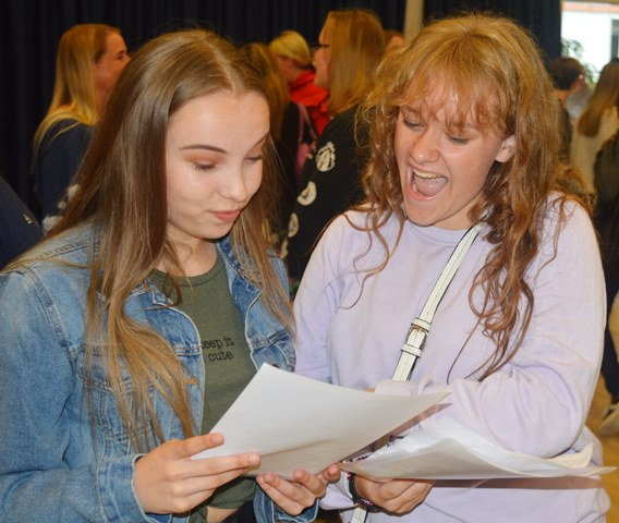 GCSE Results 2019 (15)